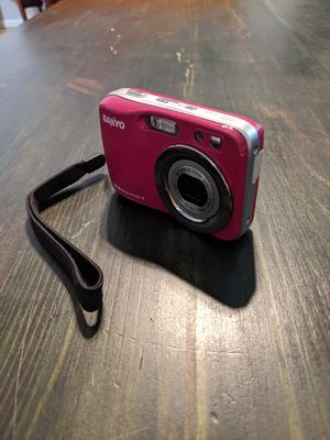 Sanyo 14.0 megapixel pink digital camera with carry strap for Sale in NEW PRT RCHY, FL