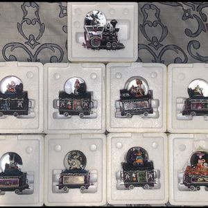 The Nightmare Before Christmas Musical Glitter Globe Train for Sale in Jersey City, NJ