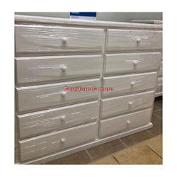 White Pine Wood Dresser 10 Drawers 😍🙂 for Sale in Bell Gardens,  CA