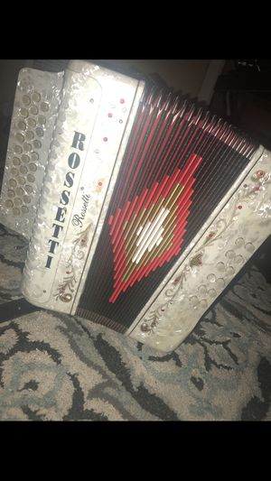 Busco Acordionista , looking for accordionist for Sale in Bell Gardens, CA