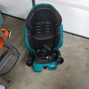 Evenflo Car Seat. 5 Point Harness Convertible High Back Booster for Sale in Upland, CA