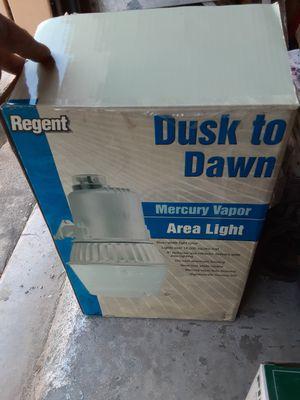 REGENT DUSK TIL DAWN EXTERIOR LIGHT NEW +EXTRA BULB 40 VALUE for Sale in Ramona, CA