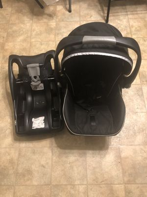 Britax baby car seat + base for Sale in Knoxville, TN