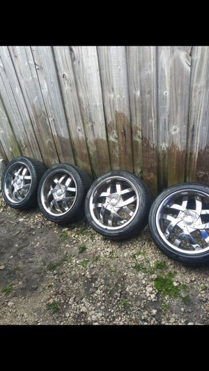 18 inch chrome rims and tires for Sale in South Miami, FL