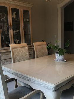 Dining Table With Chairs for Sale in Mukilteo,  WA