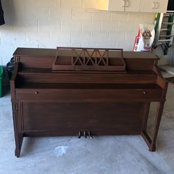 Free piano for Sale in DeBary,  FL
