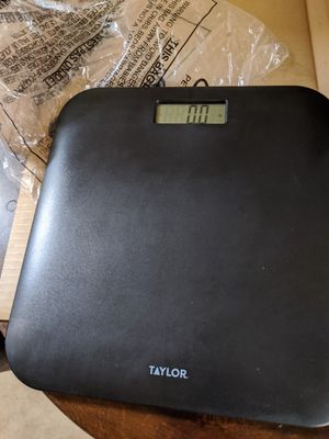 Taylor Bathroom Scale. for Sale in Tolleson, AZ