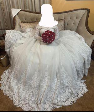 Beautiful elegant classy crystal wedding dress for Sale in Marrero, LA