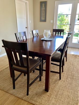 Wood Dining Table w 6 Chairs for Sale in Los Angeles, CA
