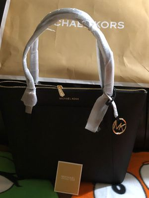 Brand new Authentic Michael Kors for Sale in North Bethesda, MD