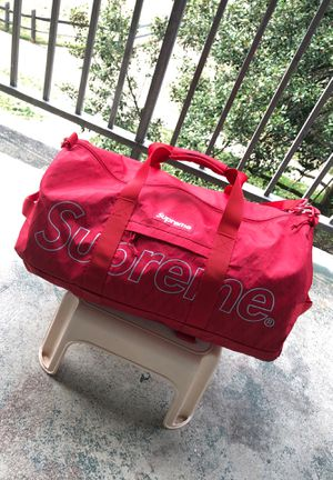 Supreme Duffel Bag FW18 for Sale in Gaithersburg, MD