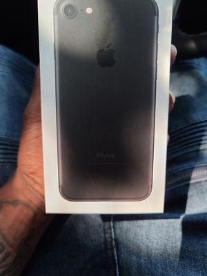 Iphone 7 (tmobile) for Sale in North Miami, FL