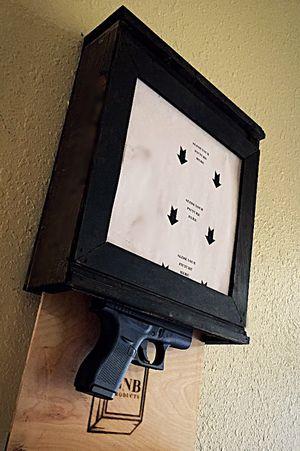 Slim Safe Picture Frame for Sale in Los Fresnos, TX
