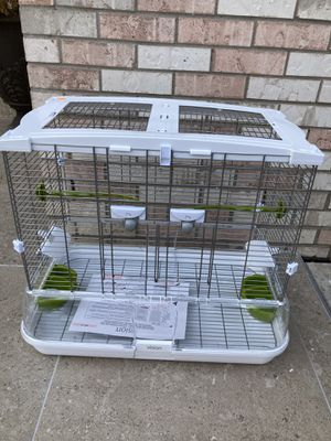 Bird cage (cracked and opening on bottom) for Sale in Woodridge, IL
