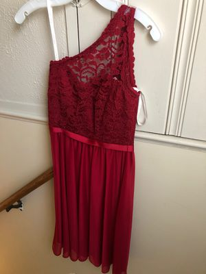 David's bridal bridesmaid dress color is Apple size 0 for Sale in Cleveland, OH