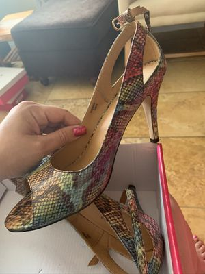 Shoedazzle heels ( size 10) for Sale in Fontana, CA