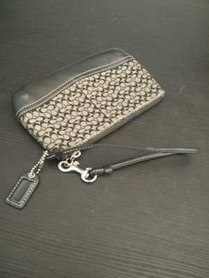 Coach Zipper Wallet for Sale in Rancho Cucamonga, CA