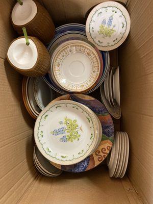 FREE Plates & cups for Sale in Miami, FL
