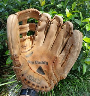 LOUISVILLE SLUGGER 13 INCH BIG DADDY BASEBALL / SOFTBALL GLOVE #LSG10 for Sale in Boca Raton, FL