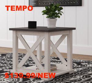 Dorinson End Table, Two-tone for Sale in Santa Ana, CA