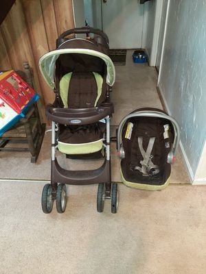 Graco car seat stroller combo for Sale in Pittsboro, NC