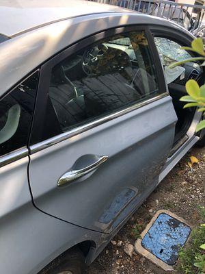 Hyundai Sonata parts door for Sale in Boca Raton, FL