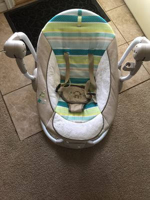 Baby swing for Sale in Wauconda, IL