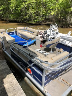 2013 Suntracker Pontoon Boat for Sale in Mooresville, NC