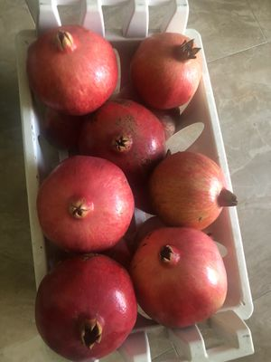 EXTRA LARGE ORGANIC POMEGRANATES for Sale in Garden Grove, CA
