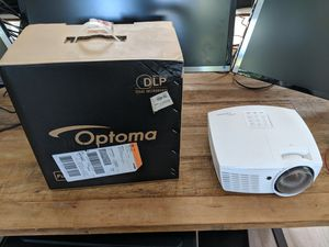 LIKE NEW Optoma eh415st 1080p HD Short Throw Projector for Sale in Austin, TX
