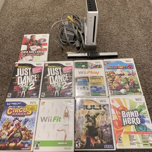 Nintendo Wii Bundle With Games for Sale in Arlington Heights, IL