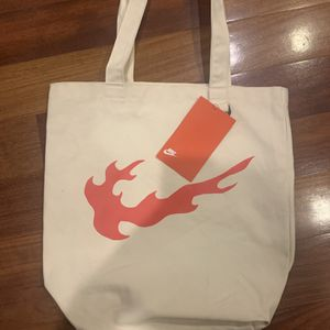 Nike HERITAGE Tote Bag Natural/Habanero Red BA6027-110 for Sale in Chicago, IL