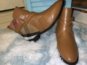 Burberry women's boots for Sale in BVL, FL