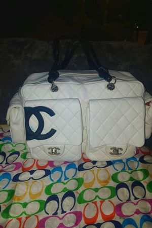 Authentic Chanel handbag for Sale in Laurel, MD