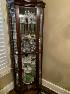 Corner Curio cabinet for Sale in The Colony, TX