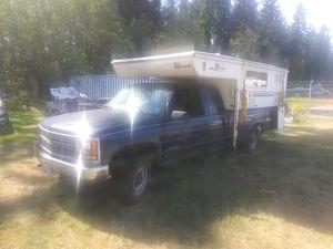 98 chevrolet 2500hd + 06 Hallmark camper for Sale in Oak Harbor, WA