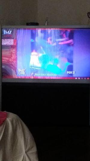 Floor model 55 inch tv for Sale in Winter Haven, FL
