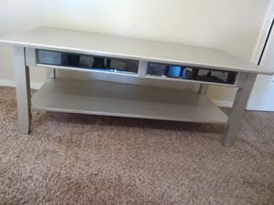 Mirrored silver coffee table for Sale in Fresno, CA