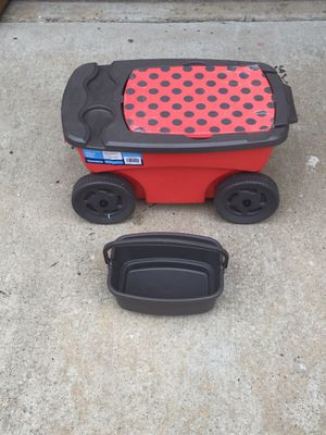 2 suncast garden scooters for Sale in Lewisville, TX