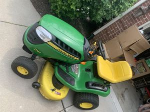 Amazing condition John Deere Tractor (only 64 hours!) for Sale in Commerce Charter Township, MI