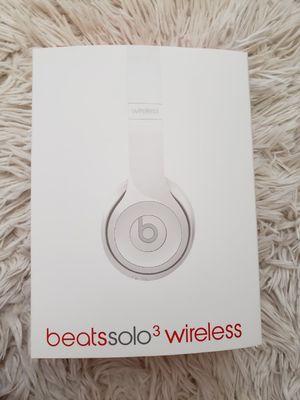 Wireless headphones white beats for Sale in Fair Oaks, CA