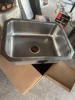 "Elkay 24""L x 18""w x 8""D Under mount single bowl kitchen sink 18-gauge stainless steel for Sale in Tampa, FL"