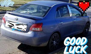 Vendo Toyota yaris 2007 excelente condiciónes título limpio el precio es firme no negociable for Sale in Columbus, OH