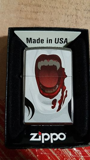 Zippo vampiress 2 high polished chrome 28654 for Sale in Los Angeles, CA