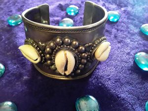 Cowrie Shell metal Bracelet for Sale in Burnham, IL