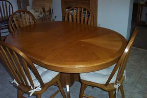 Amish Oak Dining Table for Sale in Harbor Springs, MI