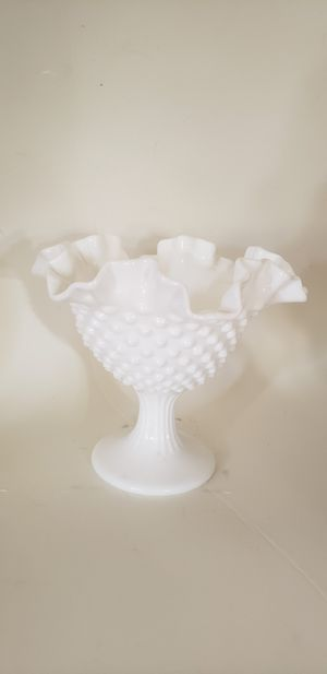 Beautiful Fenton vintage scalloped hobnail dish for Sale in Orlando, FL