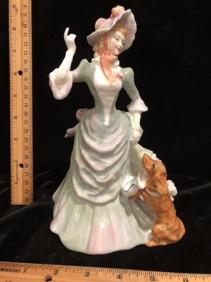 Royal Doulton Loyal Friend HN 3358 lady with dog for Sale in Puyallup, WA