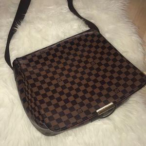 Louis vuitton messenger bag for Sale in Las Vegas, NV