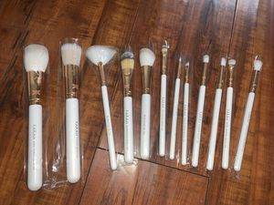 F.A.R.A.H Makeup Brushes for Sale in Cerritos, CA